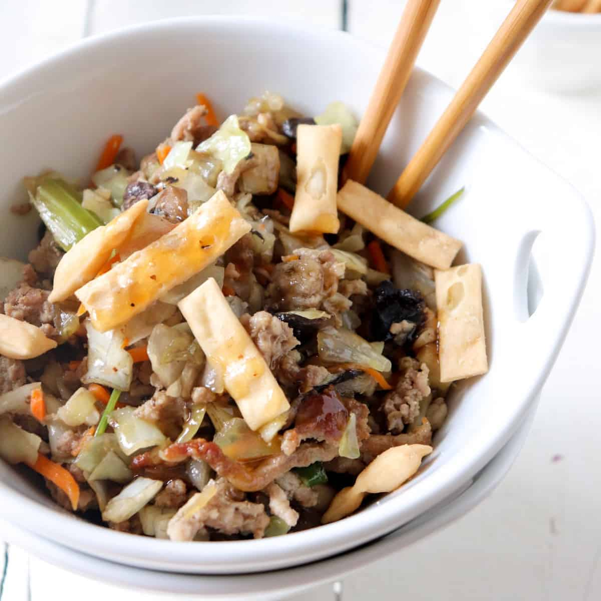 egg roll bowl featured