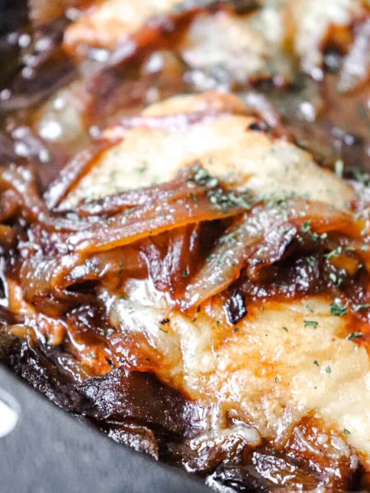 french onion soup chicken featured