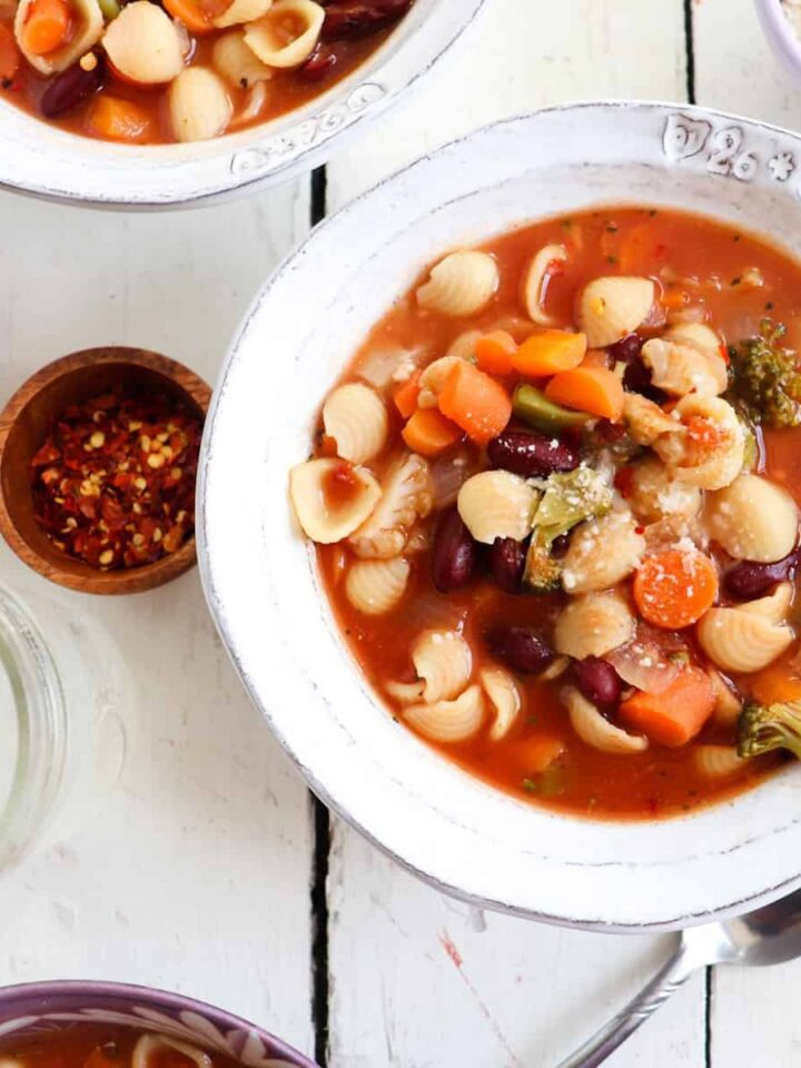 italian vegetable soup featured