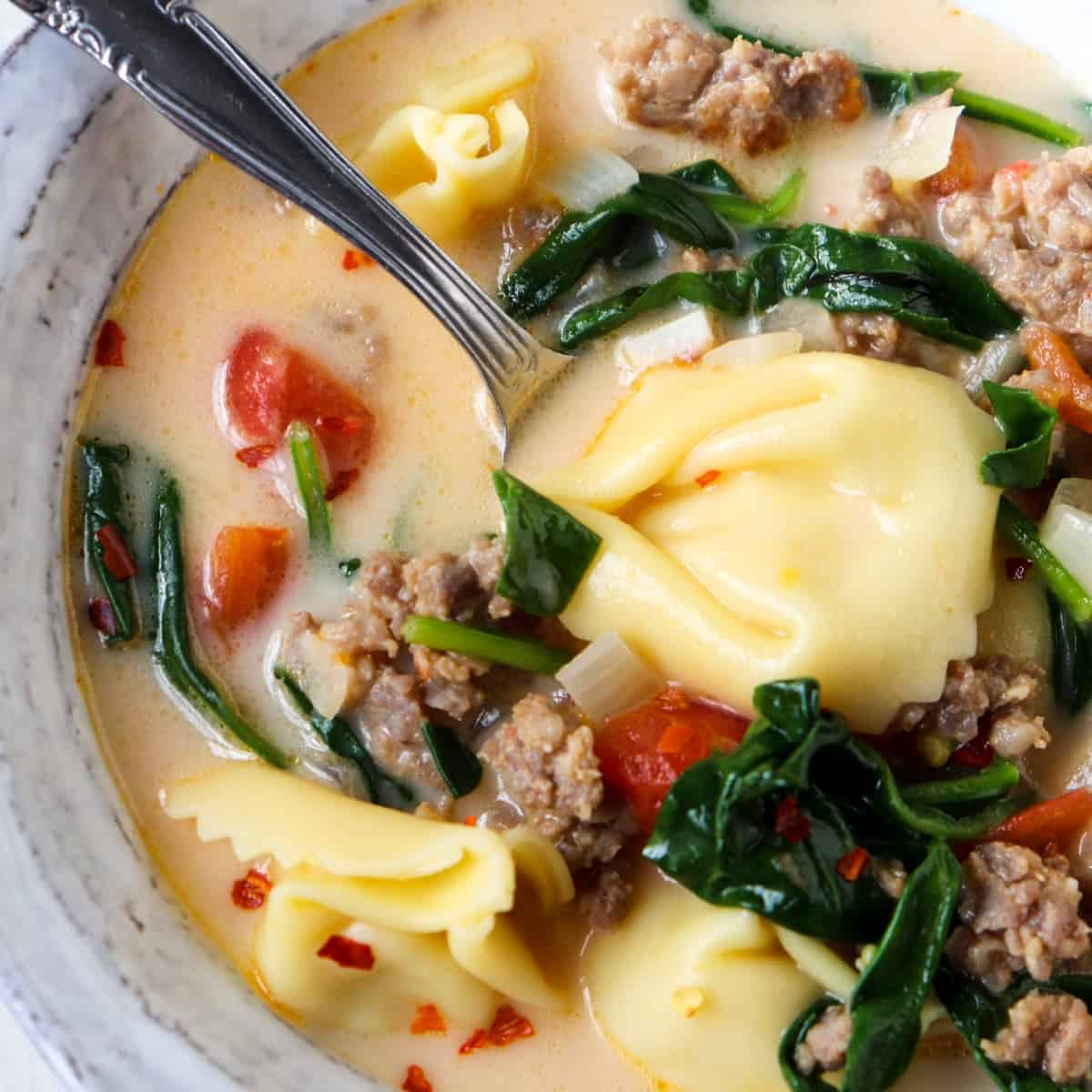 spinach sausage tortellini soup featured
