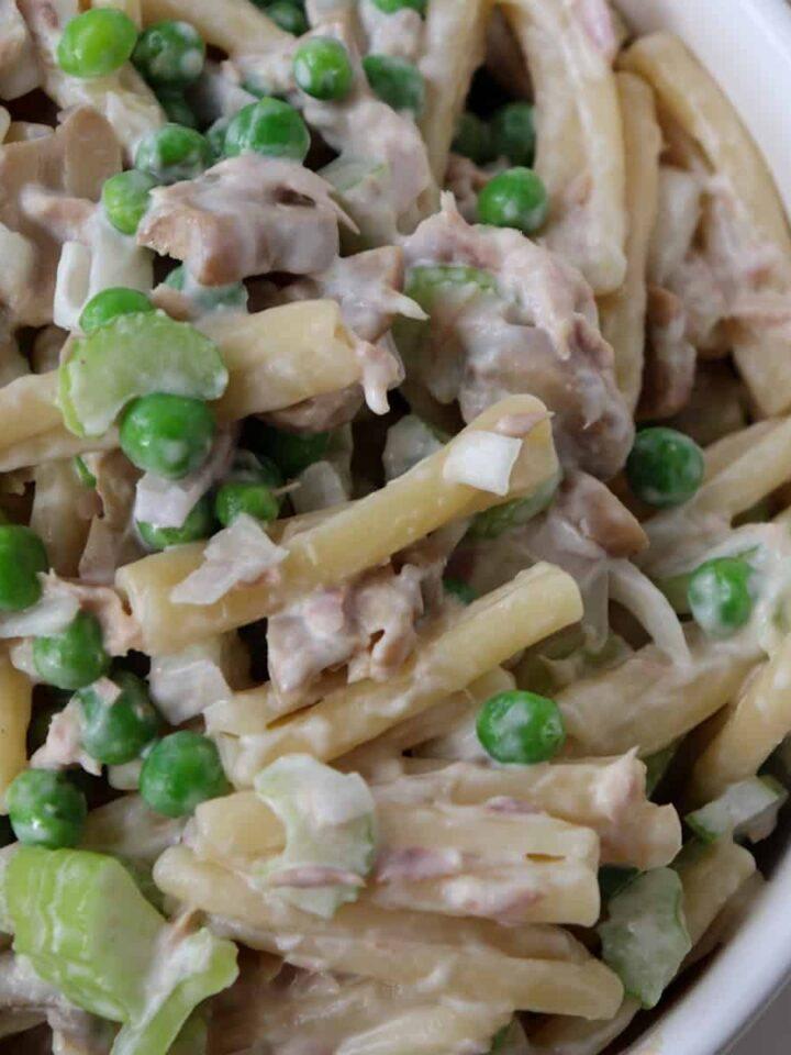 tuna pasta salad featured