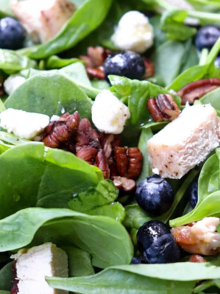 blueberry spinach salad featured
